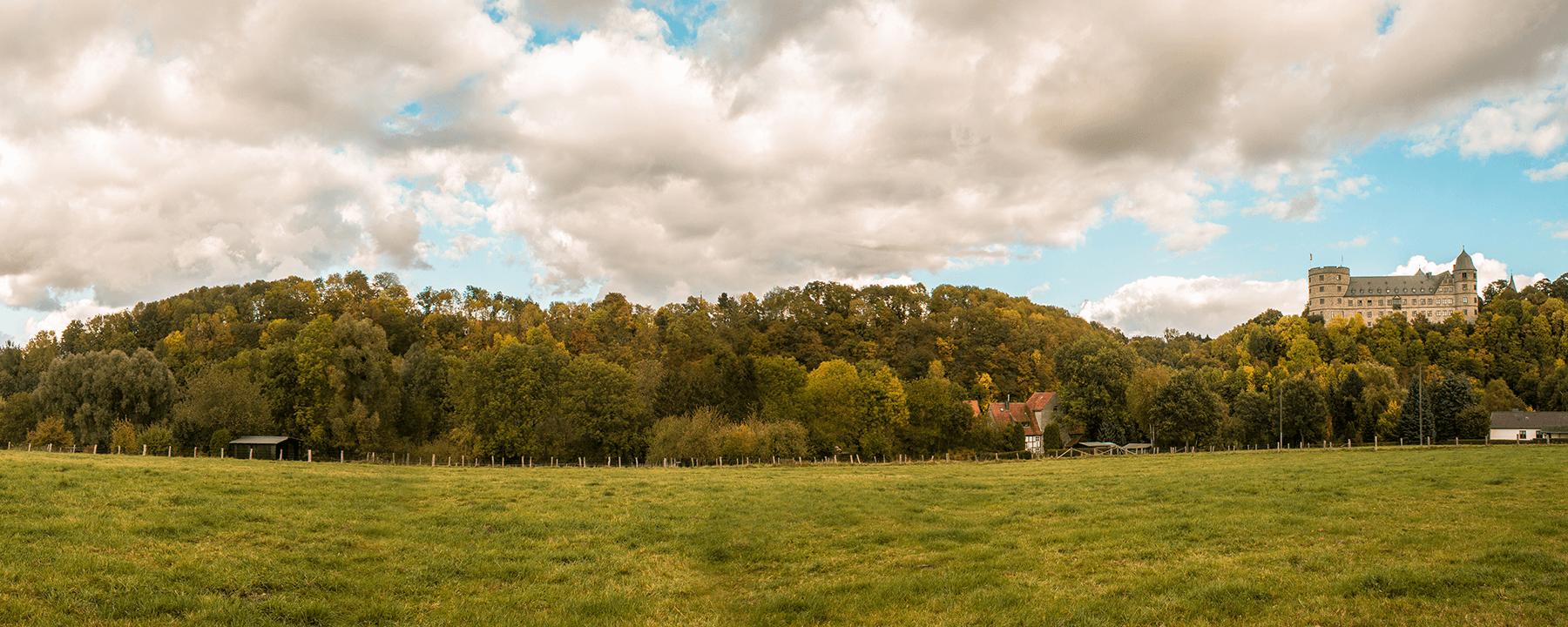 Aussicht auf die Almehänge bei Wewelsburg